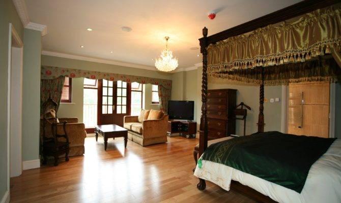 Master Bedroom Suite Designs