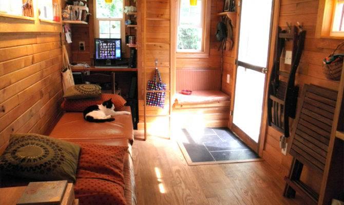 Meet Tiny House Built Amazing Mini Home Just