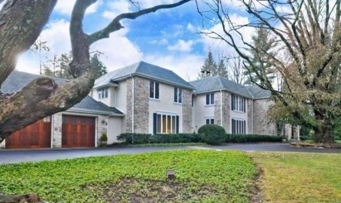 Million Rydal Estate Features Law Suite Pool
