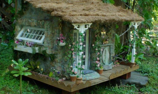 Miniature English Cottage Dollhouse