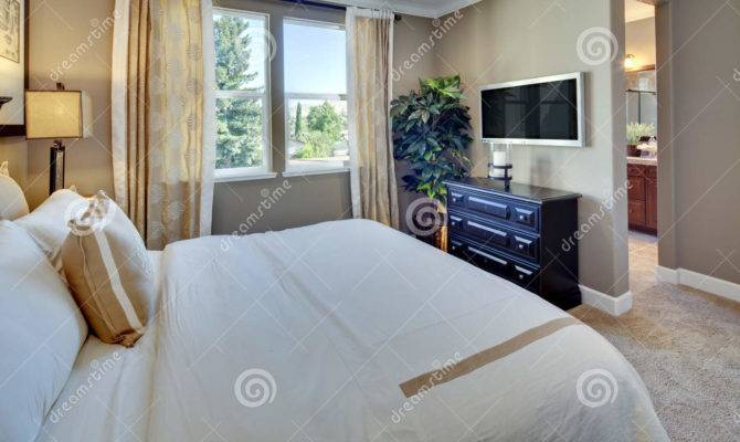 Model Home Master Bedroom Small