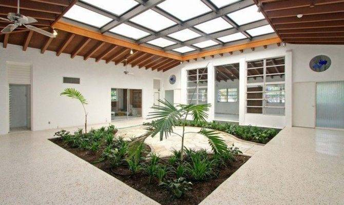 Modern Atrium House Coral Gables