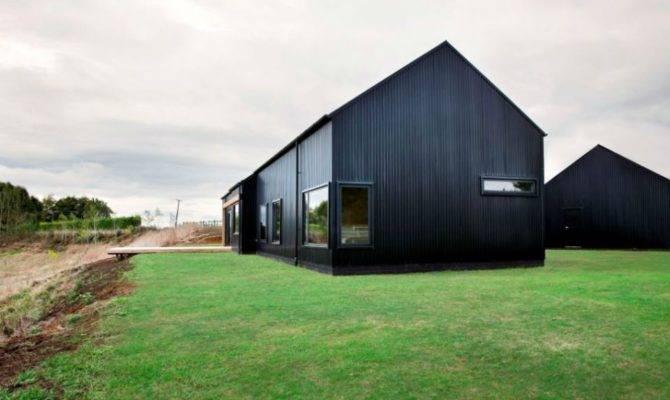Modern Barn House Black