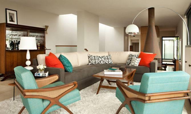 Modern Beach House Manhattan California Has Retro