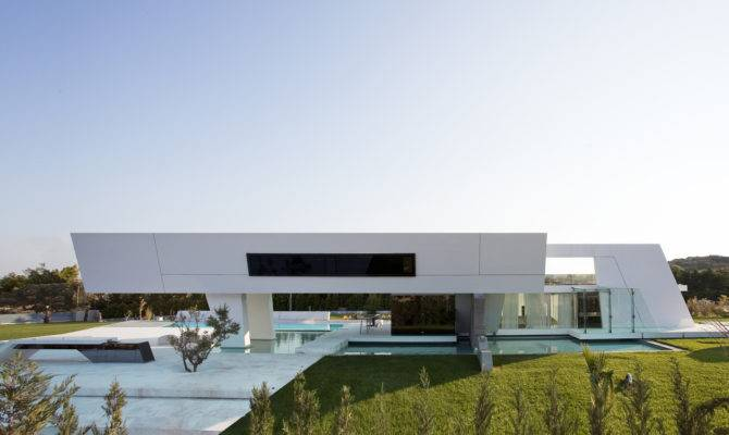 Modern Cabinet Sailing Hill Residence