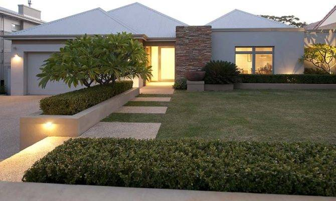 Modern Garden Design Using Grass Verandah Decorative Lighting