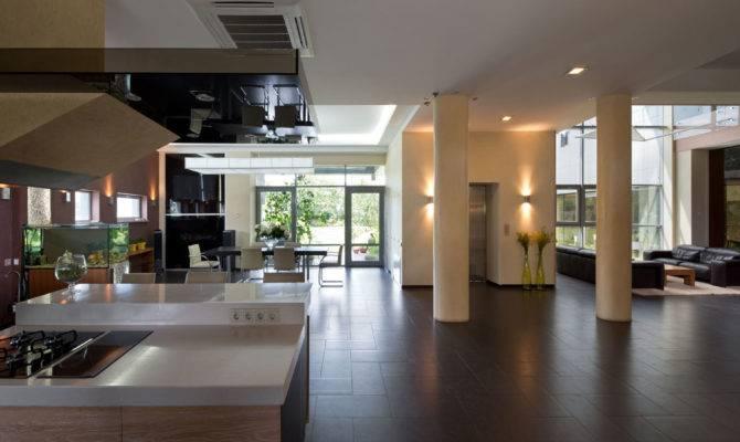 Modern Gas Kitchen Fish Tank Open Plan Pillars Interior
