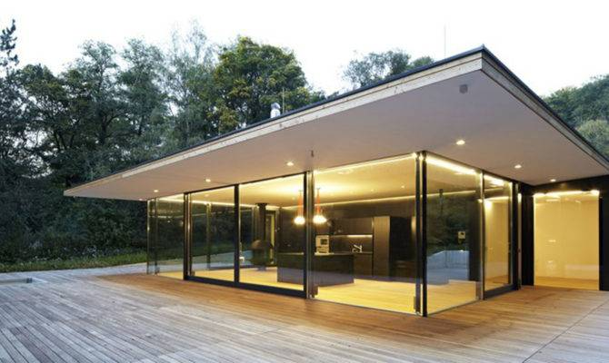 Modern Glass House Design