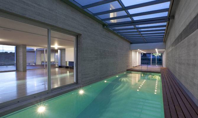 Modern House Indoor Pool Design