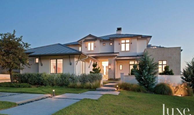 Modern Low Slung Residence Minimal Interiors