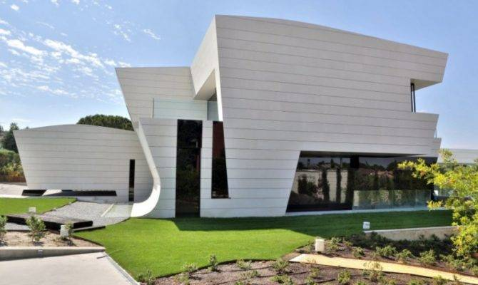 Modern Single House Design Cero Interior