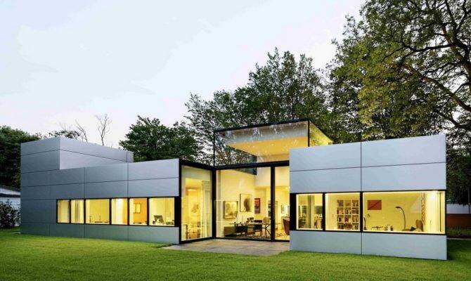 Modern Single Story Cubical House Metal Facade