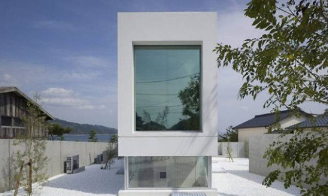 Modern White Japanese House Design One Total