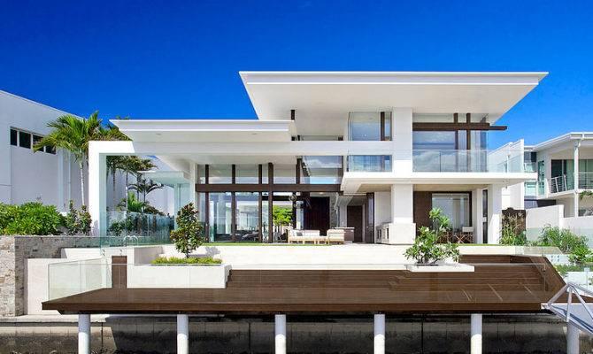 Mooloolah House Offers Best Yard Terrace