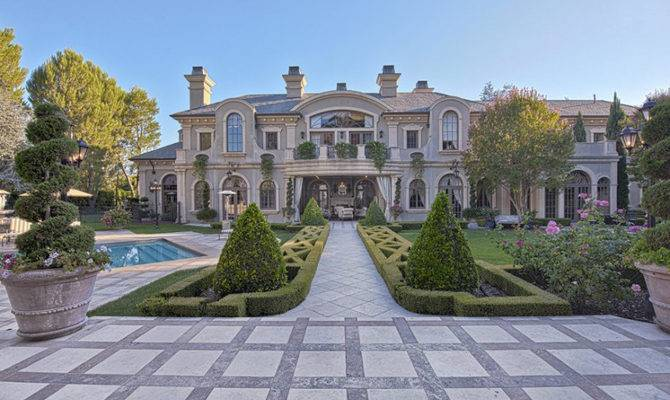 Most Amazing Celebrity Homes