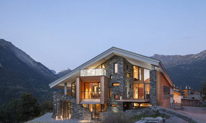 Mountain House Inspired Neighboring Rough Landscape