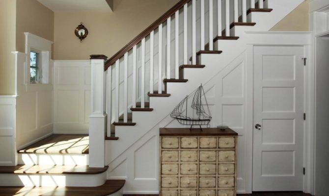 Neutral Cottage Foyer Staircase Rend Hgtvcom Jpeg