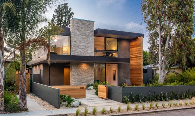 New Contemporary Home Arrives Street Venice