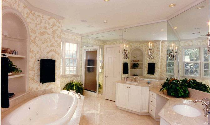 Newly Remodeled Master Bath Eastover