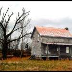 Olde Primitive Barn Farmhouse