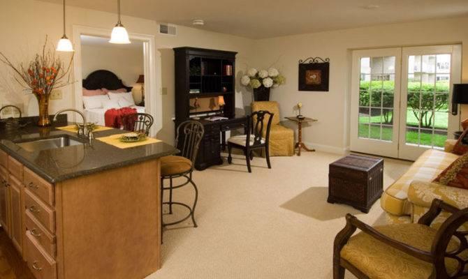 One Bedroom Willow Valley Communities