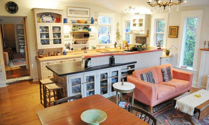 Open Concept Kitchen Unifies Other Parts
