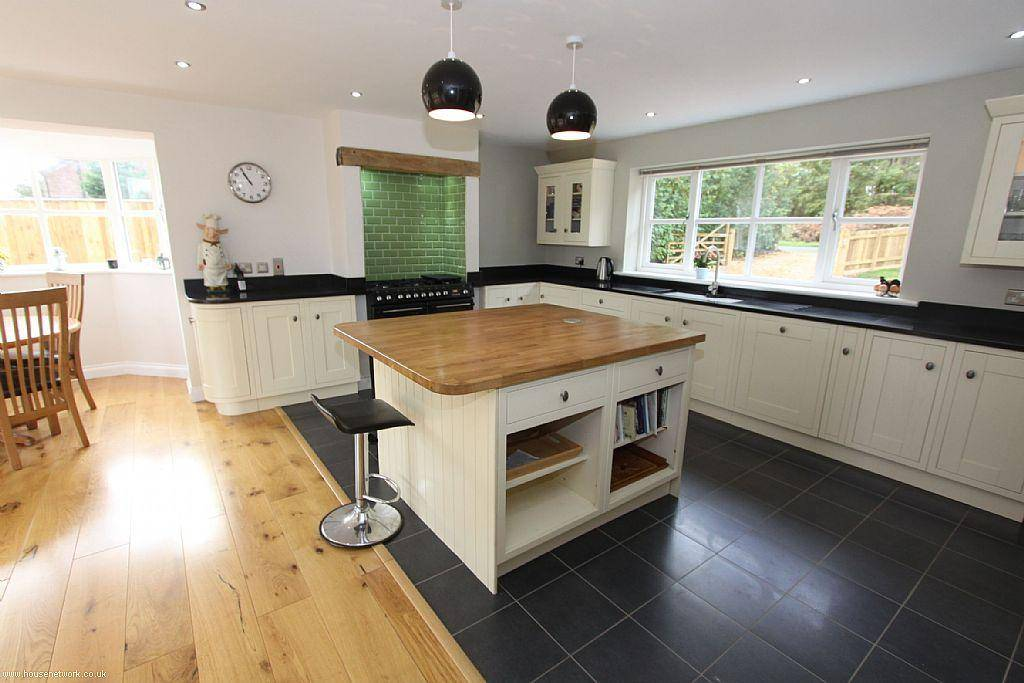 Open Plan Traditional Beige Black White Kitchen Diner House Plans 40787