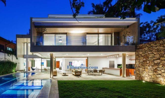Open Space Brazilian Modern House Design