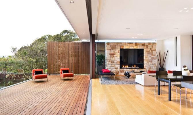 Open Space Contemporary House Design Outstanding