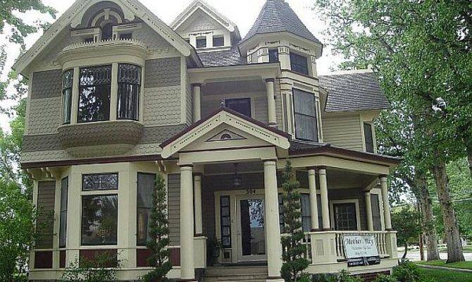 Paint Victorian Style Home