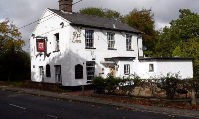 Panoramio Old Red Lion Public House Closed Lynch Hill