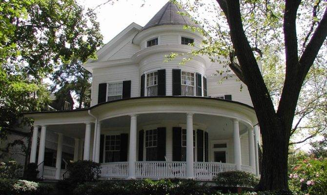 Queen Anne Architecture Style Home Design Tips