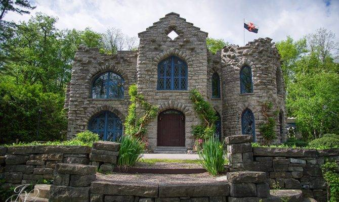 Real Life Haunted Houses Stone Homes Spook