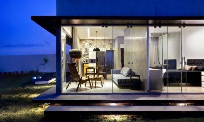 Rectangular Box House Brasilia Revealing Inspiring Decorating Ideas