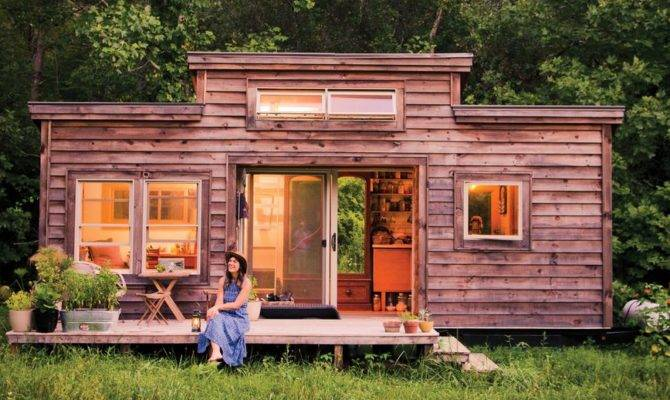 Recycled Materials Boost Appeal Tiny House Mnn
