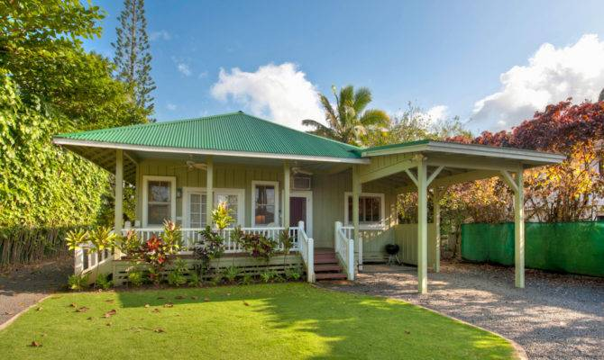 Relaxed Cheerful Hawaiian Style Home Plans House