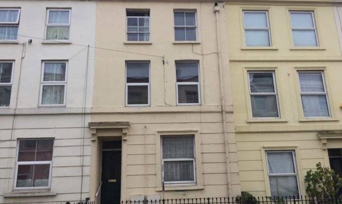 Rent Double Bedroom Split Level Duplex Flat