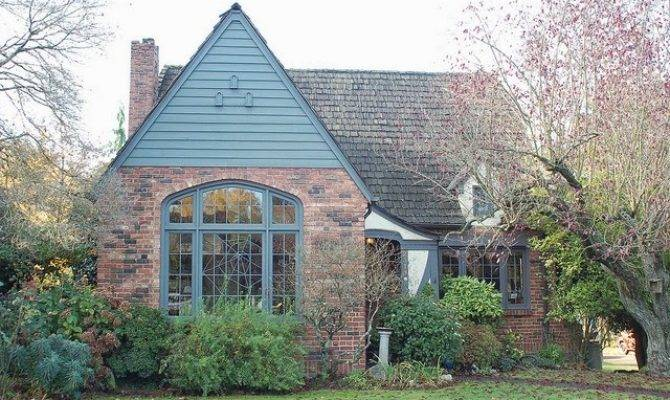 Restoring Roost Period Cottages