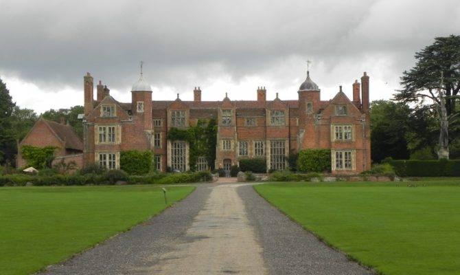 Returning Tudor Times Kentwell Hall Gardens Long Melford