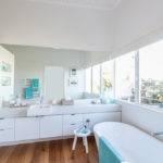 Serene Beach House Taken Over Coastal Beauty