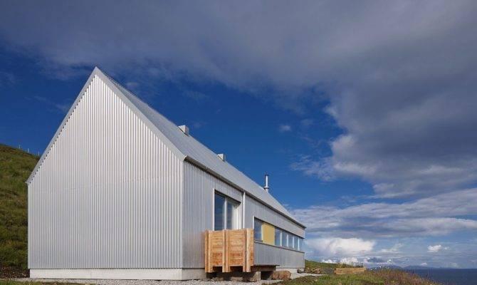 Serene Residence Isle Skye Blends Rural Modern