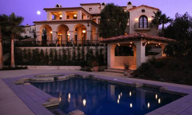 Services Enjoy International Luxury Lifestyle Properties