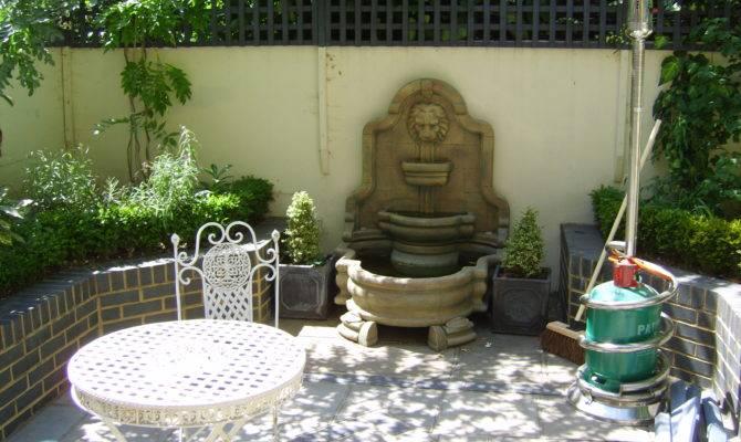 Small Georgian Town House Courtyard Space