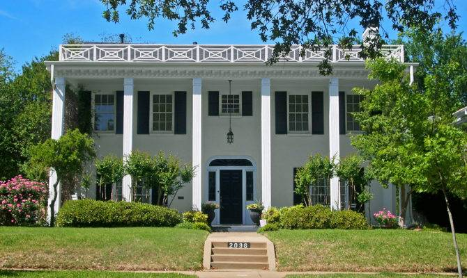 Southern Colonial Style House Berkeley Place