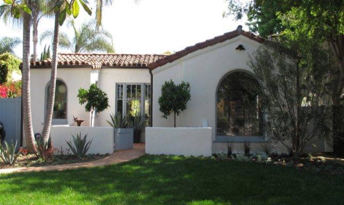 Spanish Style Homes Courtyards Small