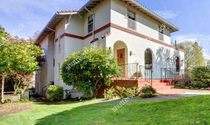 Spanish Style House Photos