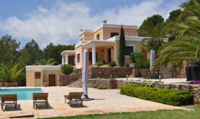 Spanish Style Villa Close Jesus Distant Sea Views