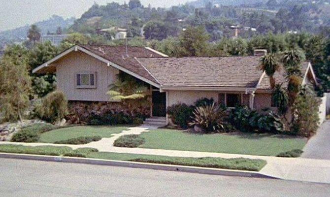 Split Level House Home Brady Bunch