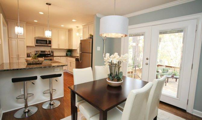 Split Level Opened Kitchen Pendant Over Table Island