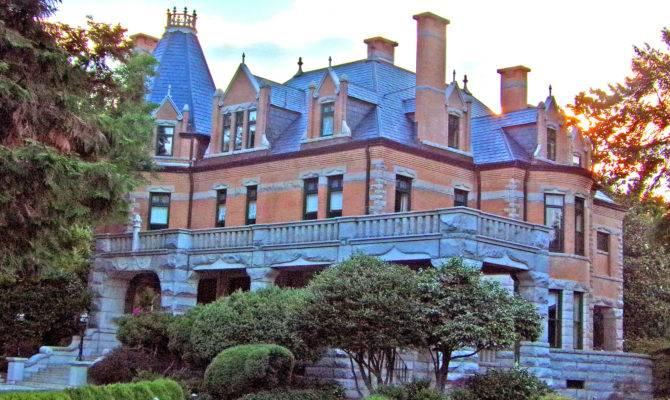 Stately Mansions Salisbury Living Blue Ridge